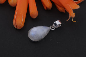 1 Pc Genuine and Rare white Rainbow Moonstone Pendant,tear drop Pendant ,925 Sterling Silver Pendant,Gemstone Pendant,Cabochon pendant 26-13mm SJ13 - Tucson Beads