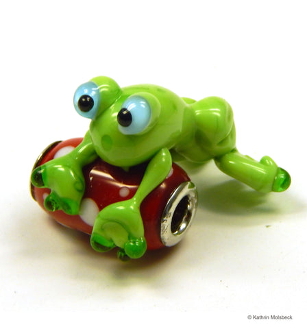 Frog Bead by Kathrin Molsbeck