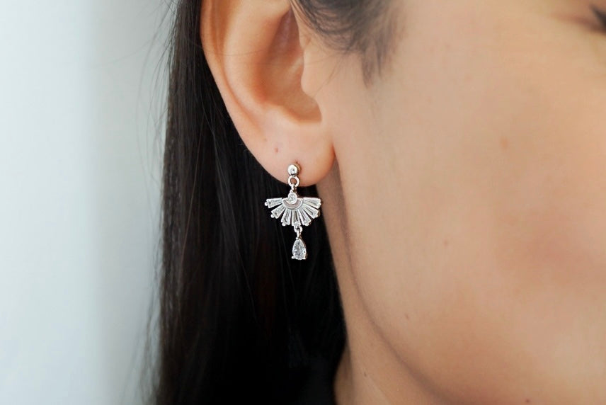 Fan Dangle Drop Earrings