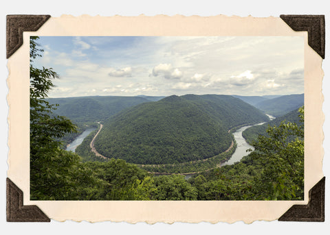 Concho Rim Overlook into the New River Gorge