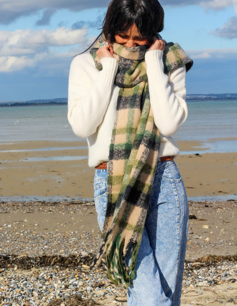 Country Days Cosy Wrap Around Scarf