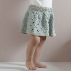 Skjørt med hullmønster / skirt with eyelet pattern (Norwegian and English)