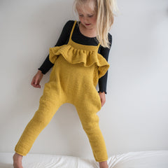 Hennys selebukse / paelas dungarees (norwegian and english)