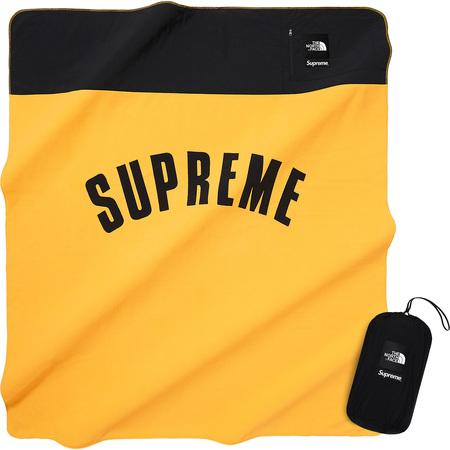 Supreme/The North Face Arc Logo Fleece Blanket Yellow