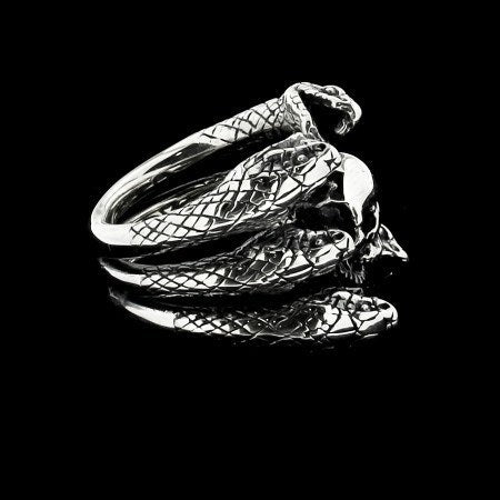 RING - THREE SNAKES AND SKULL
