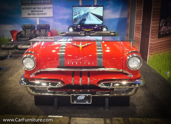 Stylish 1955 Pontiac Bar/Counter Display