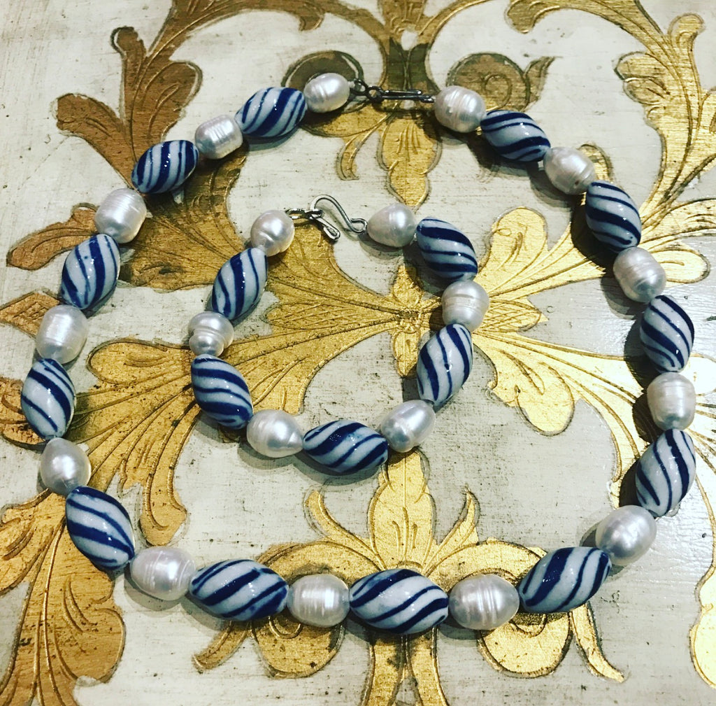Freshwater Pearl Necklace & Bracelet Set Blue Swirl