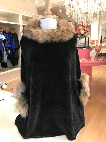 Black Chenille Poncho w/Fur Trim