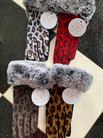 Cheetah Print Gloves w/ Faux Fur