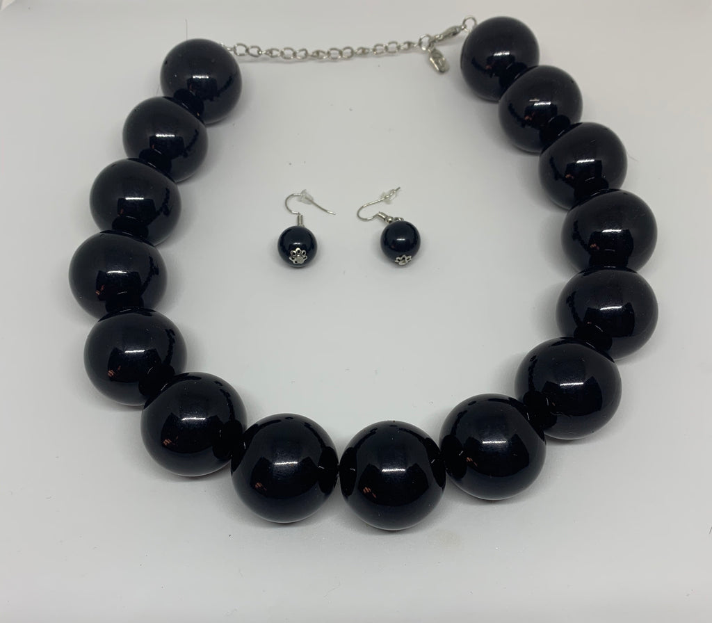 Black Pearl Necklace/Earring Set