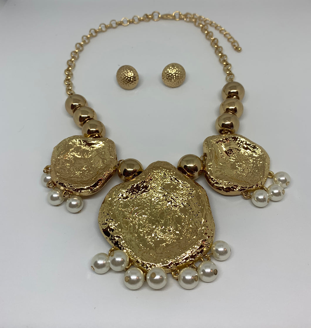 Gold Metal Pearl Cluster Necklace/Earring Set