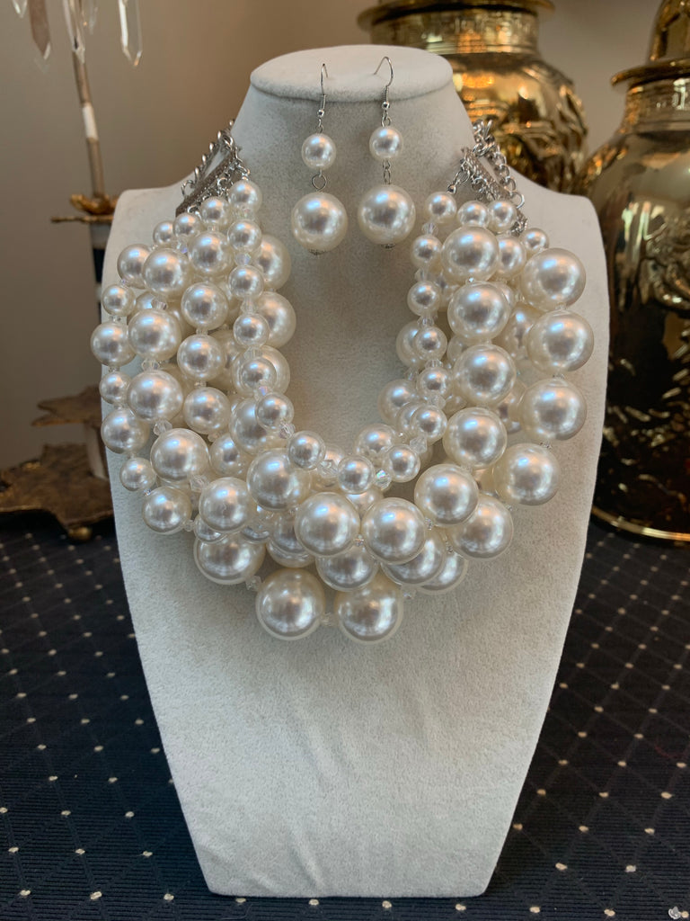 Chunky Pearl Necklace/Earring Set