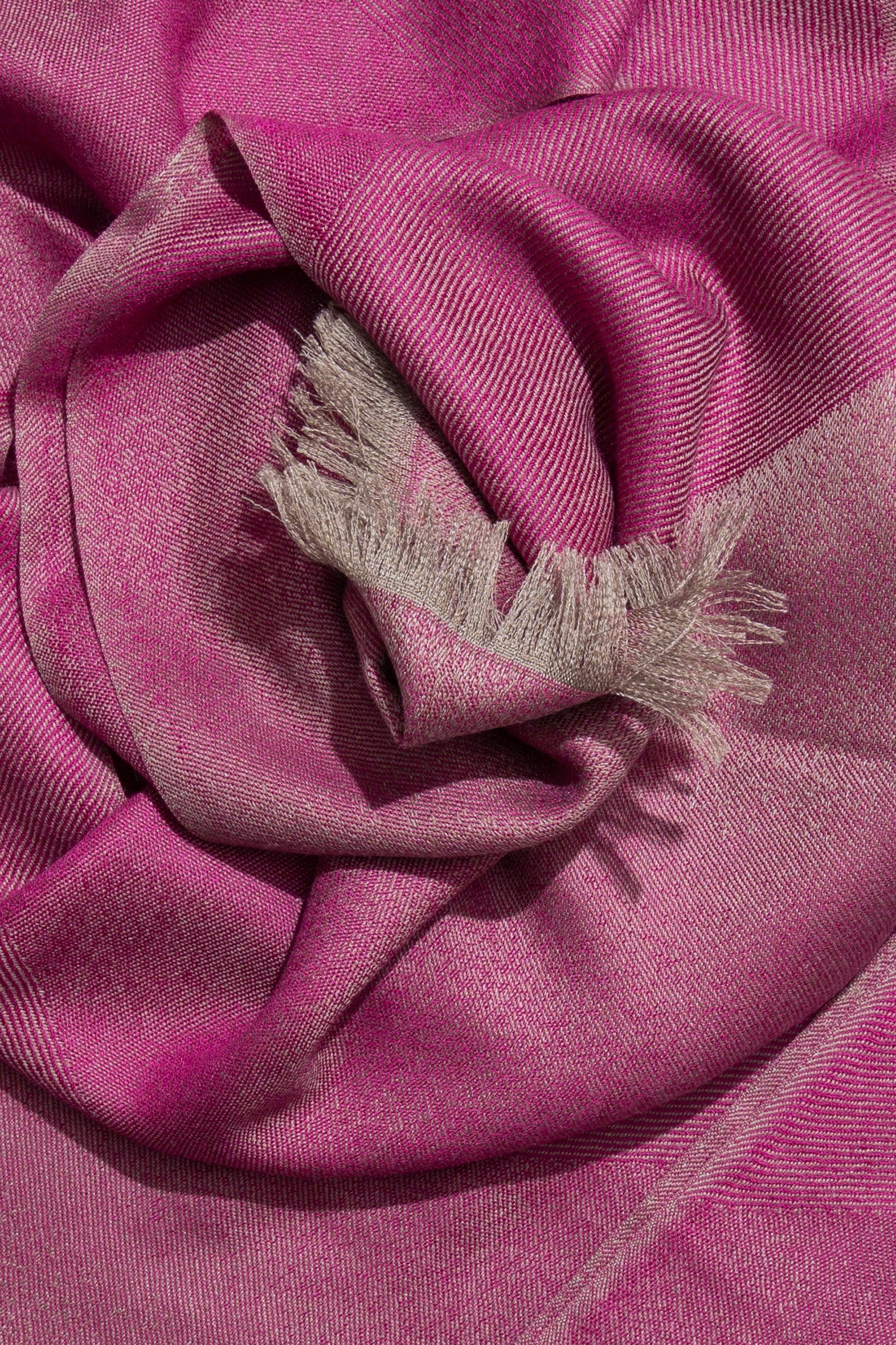 woven large scarf - fading chevrons (magenta)
