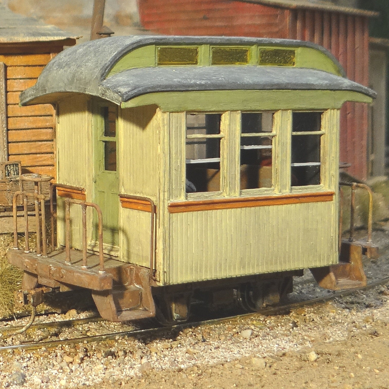 On30 Scale 14 Foot Shorty Custom Coach Car with Passengers