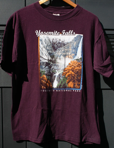 Size Large Yosemite Falls Washed Once Very Minor Color Flaw Hard To See, Cool Travel Location Road Trip National Park Tee Dated 1999