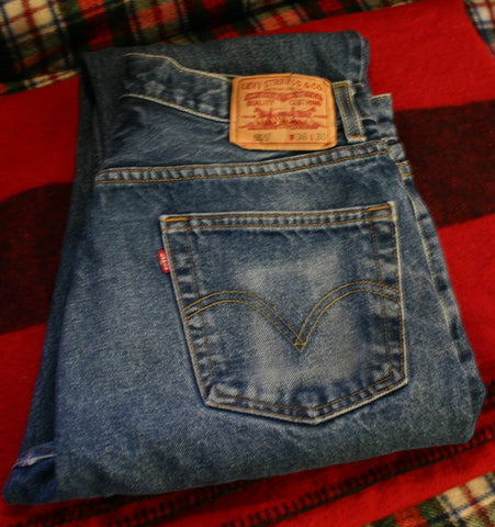 Fantastic Wear To a Perfect Faded Pair of Levis 505s Size 36/30 Some Cuff Wear Great Looking Pair!