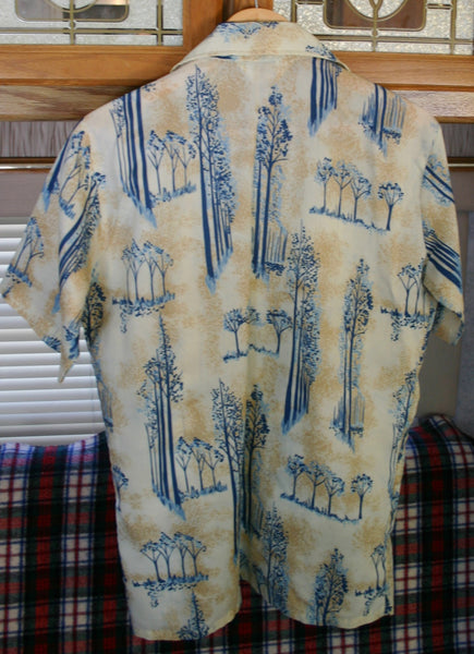 Great 1970's Vintage Disco Short Sleeve Polyester Shirt, Great Colors, Huge Collars, Near Perfect Condition Size Medium!