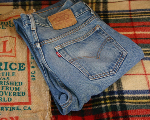Vintage Levis 501s XX Made In USA Size 34/30 Rare Nice Fade Little Cuff Wear, Button Fly Top Button Code 653, A++++ Rated.