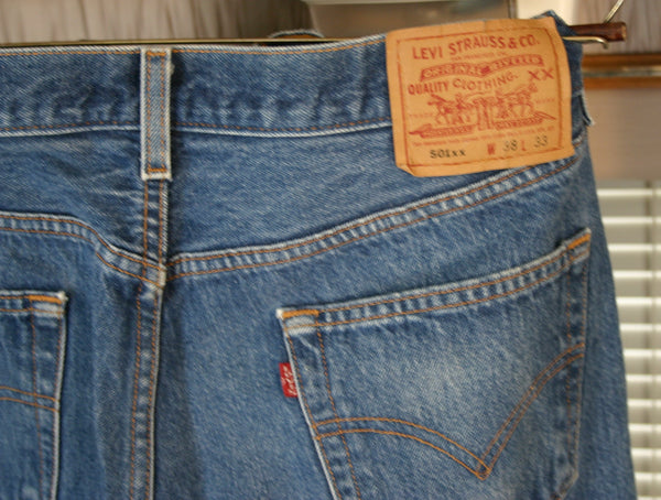 Rare 70s Made in USA Levis 501s XX Button Fly Great Fade No Holes Or Thread Wear Shrink to Fit Tag Size 38/33 Top Button Code 653.