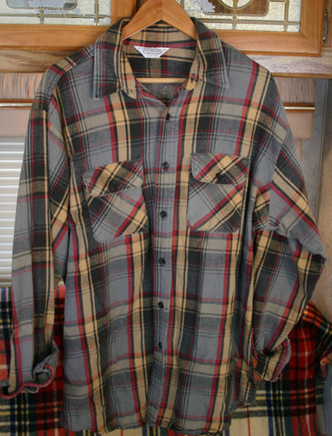 Oversized 70s Super Soft Nicely Worn Double Thick Flannel Five Brothers Brand Button Front Long Sleeve Boyfriend Sleeper Shirt. Size XL Tall