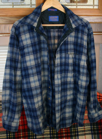 Great Vintage Pendleton Men's 100% Wool Made In USA Quilted Inside Neck Area Size Measures As An XL Nice Condition.