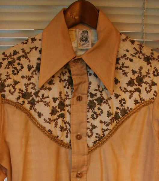 Outrageous Rockabilly 70's Vintage Kennington LTD California Gigantic Collars Wooden Buttons Quilted Yoke Decorative Piping!!