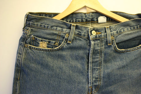 Fantastic Pair Of Levis 501's W32 L34 Distressed Wash With a Few Great Blemishes Just Like You Want Them, Great Pair And Ready To Ship Fast!