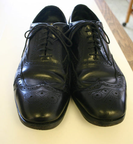 Size 12 Florshieim Wingtip Men's Black Shoes! Well Made With Some Nice Vintage Wear Ready To Go Classic Prepster Style!!