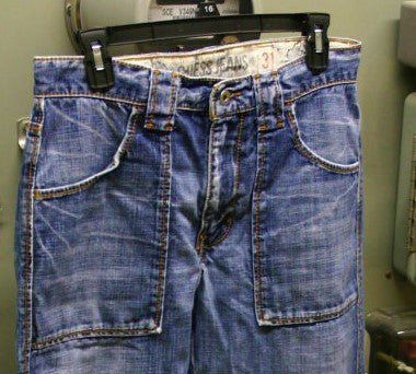 Guess Jeans Flared Bottom Destroyed Distressed Size 31 Waist Style Modele Ultra Hip High End Jeans Great Look!! Button Pockets On Rear!!