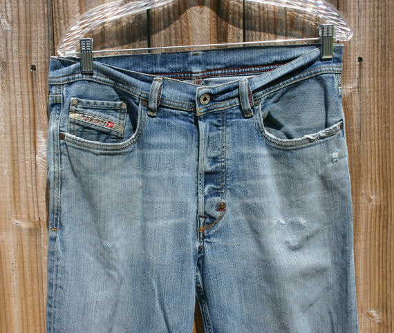 Size 32 W Made In Italy Diesel Brand Designer Jeans Naturally Distressed Fantastic Look High End Denim.