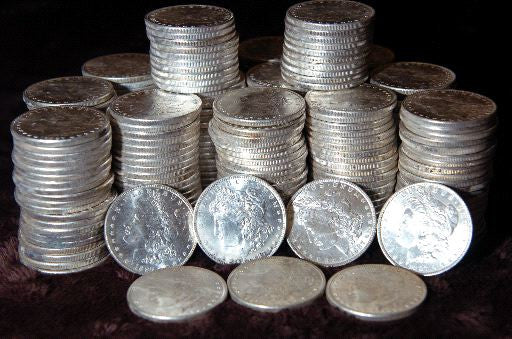 Common Date Morgan Silver and Peace Silver Dollars. Cir 1878 to 1935 (5 Coin Deal)