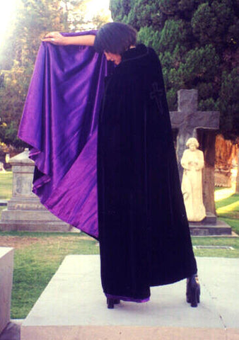 "The ""Dagger"" cape"