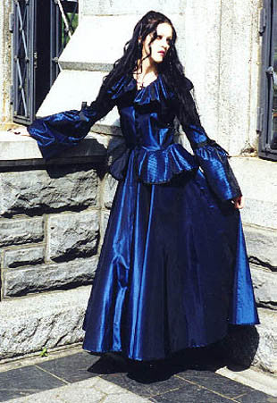 "The ""Victorian Strolling"" dress"