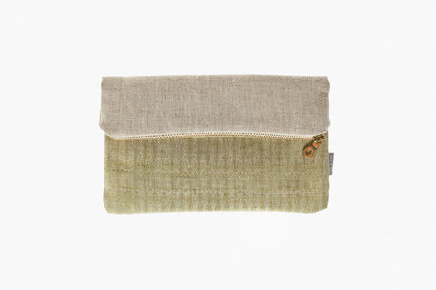 13x20, 20x20 or 23x25 cm light olive-green patterned organic Linen beige-brown raw linen golden metal zipper Hand sewn in Berlin, Germany
