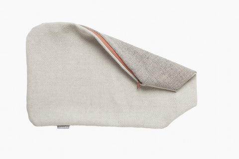 Hot Water Bottle Cover For commercial hot water bottles with a capacity of 2 liters. grey linen​-wool mixture in herringbone beige linen-wool mixture with light diagonal stripes spring green or rosé synthetic zipper Hand sewn in Berlin, Germany