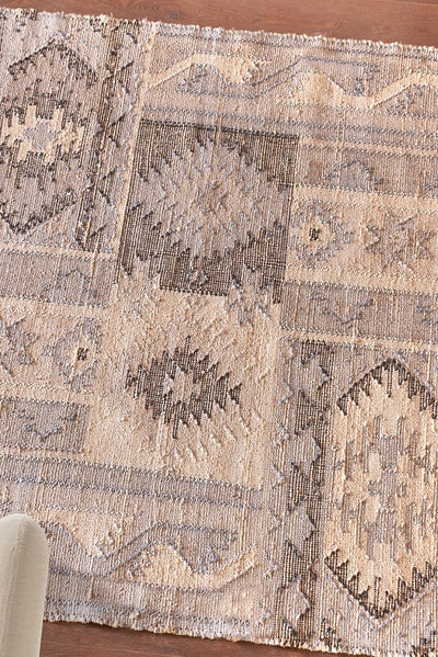 hesston wool rug in grey and natural color