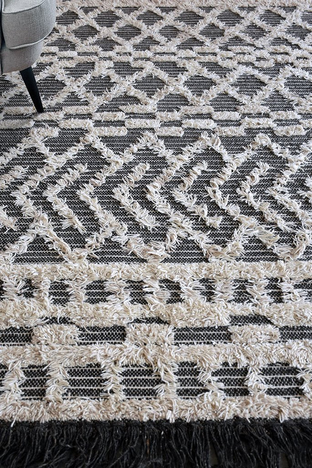 heino wool rug in charcoal and ivory color