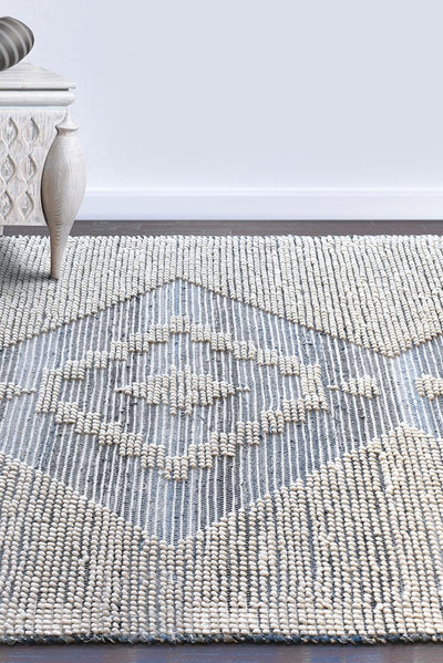 bewick wool rug in blue and ivory color