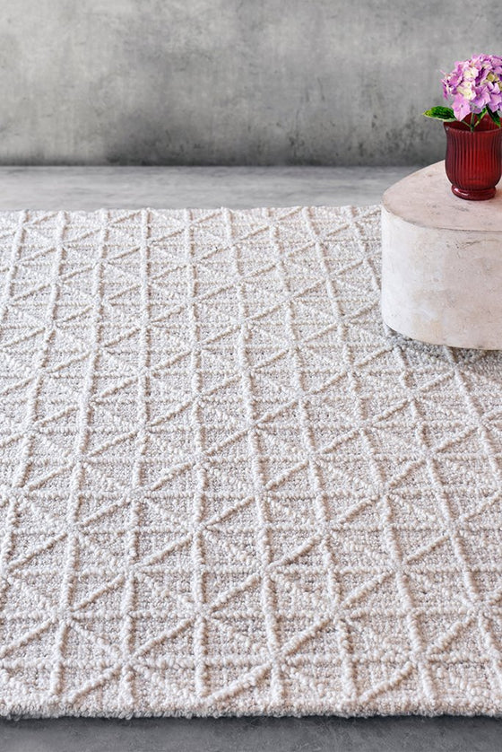 cadhla wool rug in ivory color