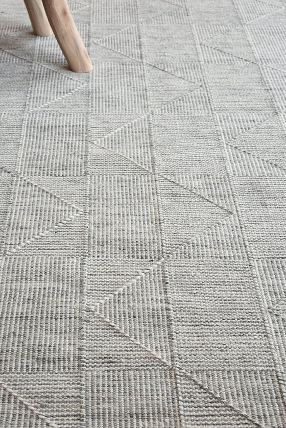 emery wool rug in grey and ivory color