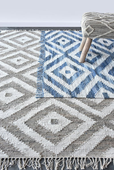 soraya denim rug in blue color