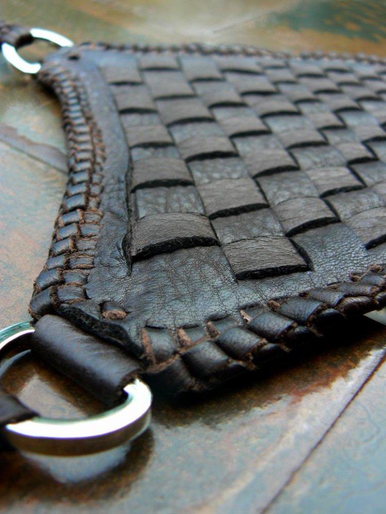 Ki Basketweave Leather Necklace chocolate top pendant close up