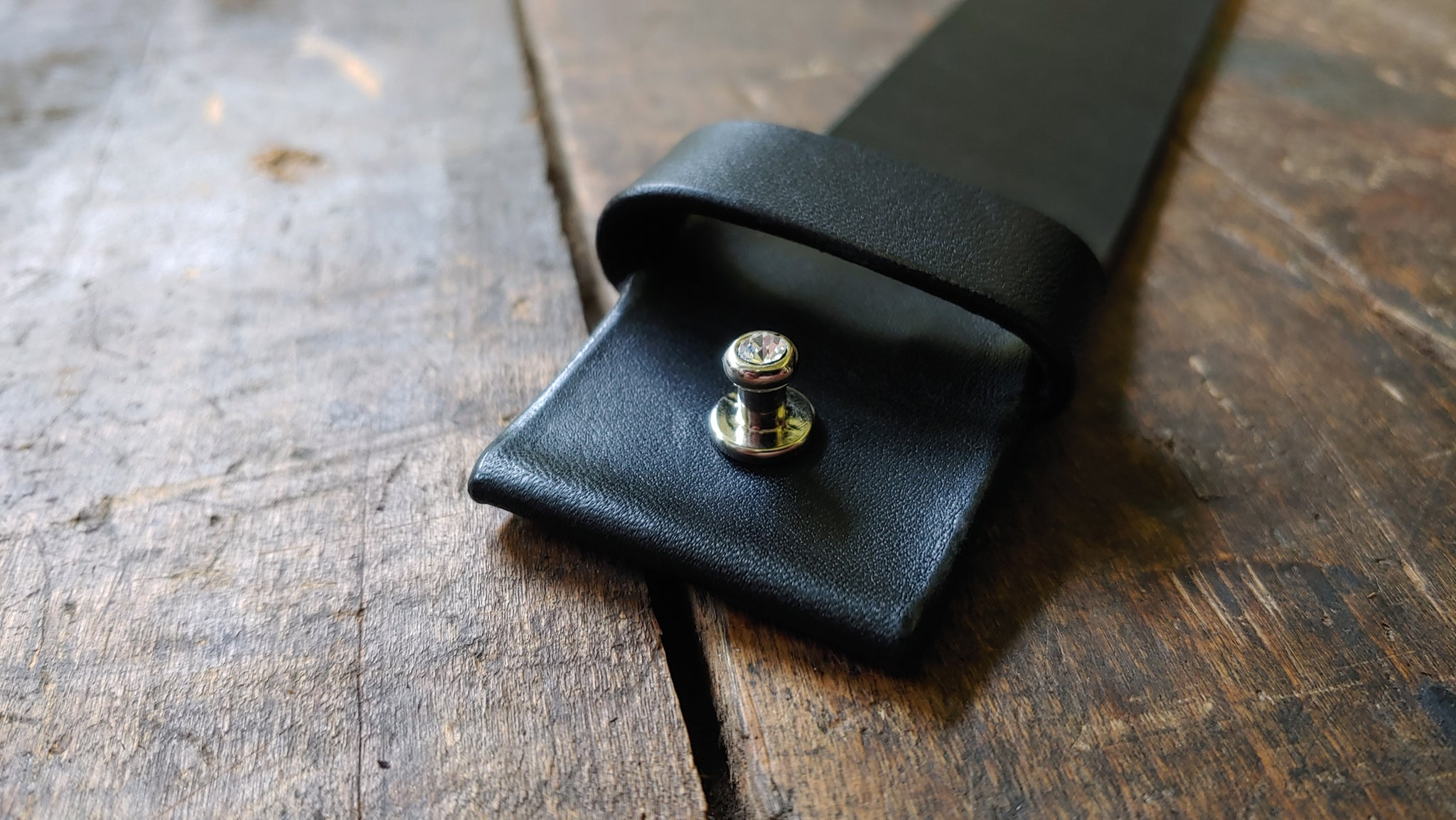 1.5 inch Wide Mao in Black with Rhinestone Button Stud