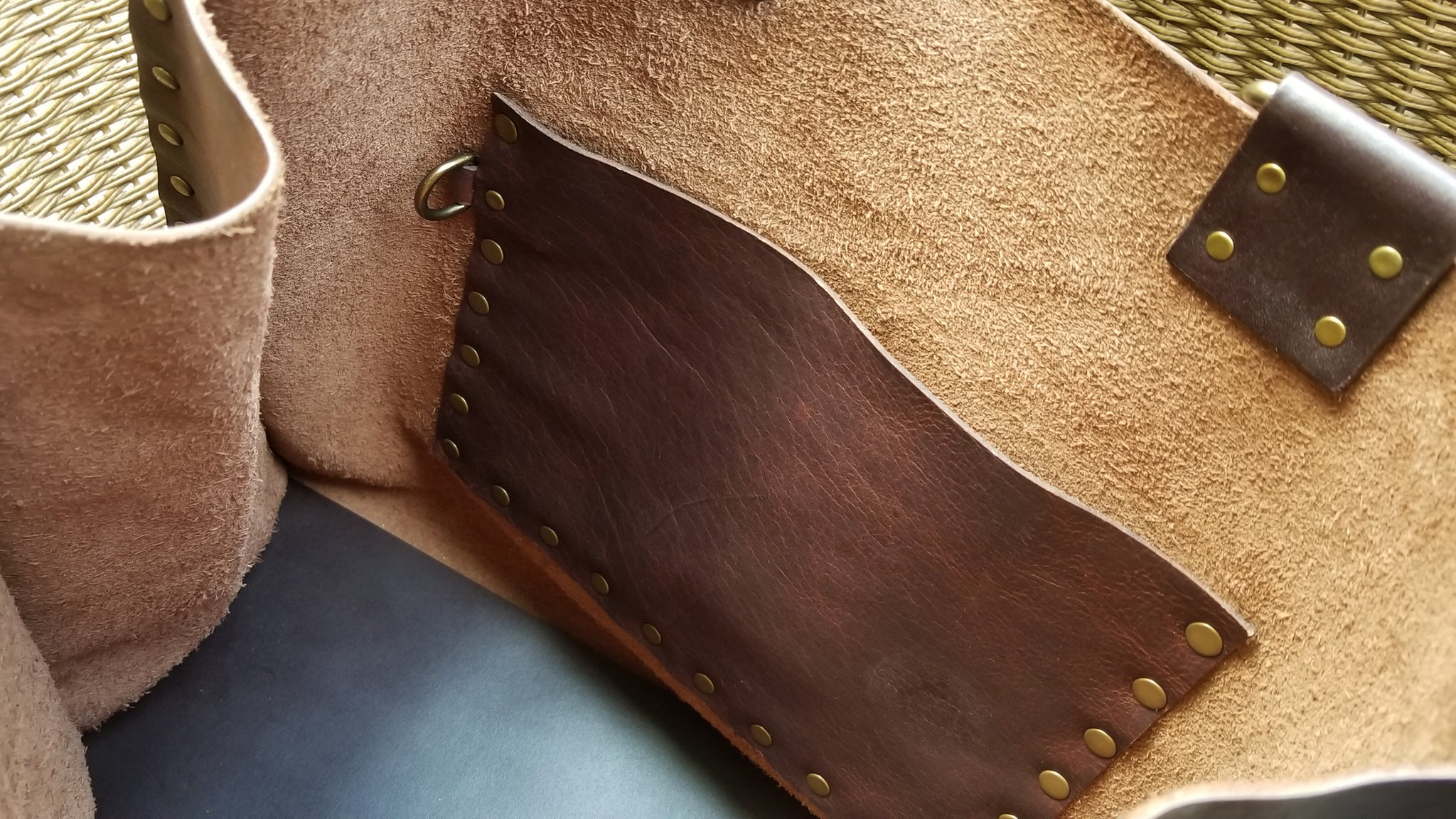 nterior pocket of Malia leather tote bag carry all in canela navajo bison leather