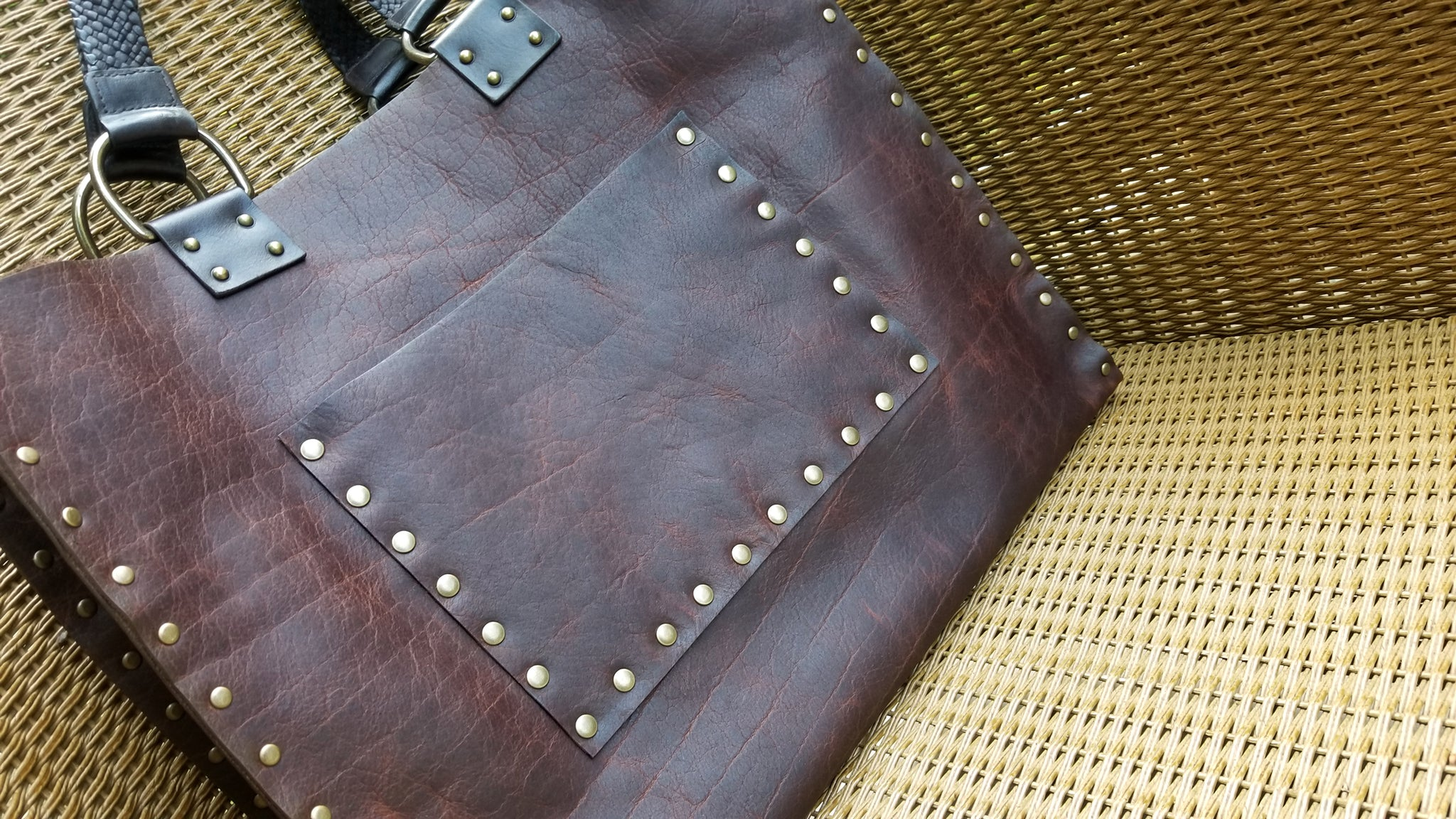 close up of front pocket on Malia leather tote bag carry all in canela navajo bison leather