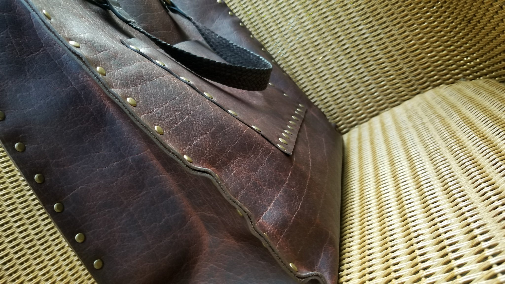 side and front view of Malia leather tote bag carry all in canela navajo bison leather