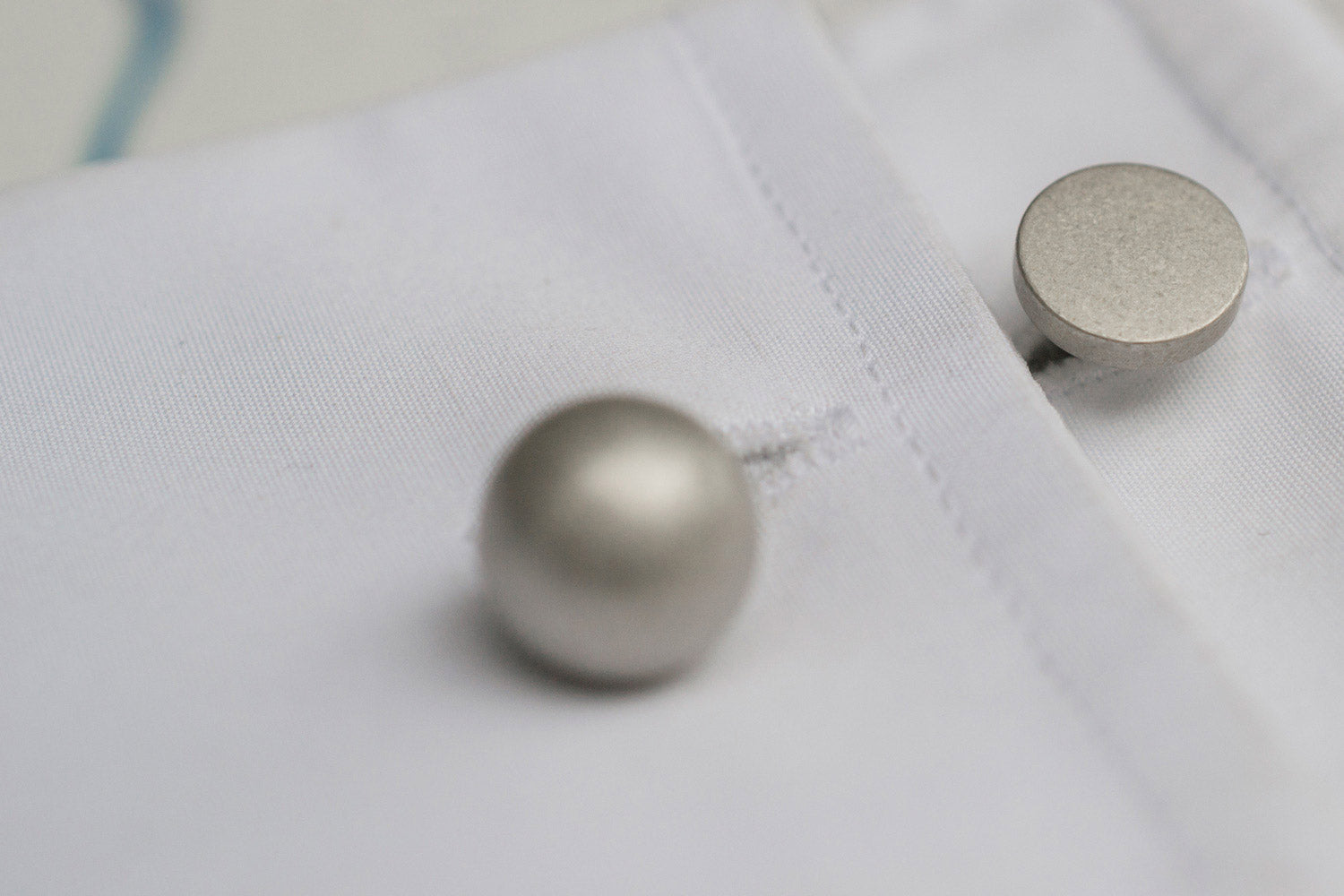 grafton reversible silver cufflinks | close-up