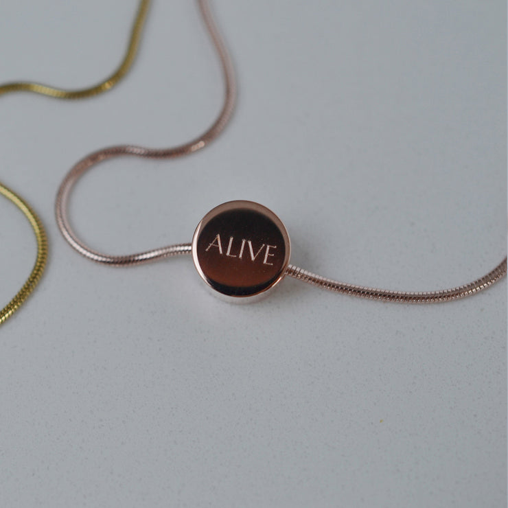 dot rose gold necklace | close up