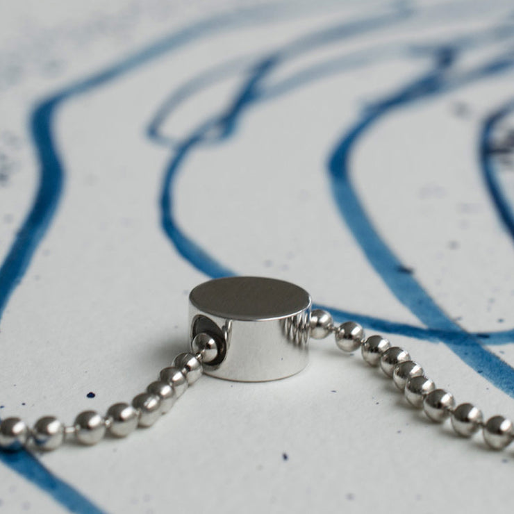 dot silver necklace | close up