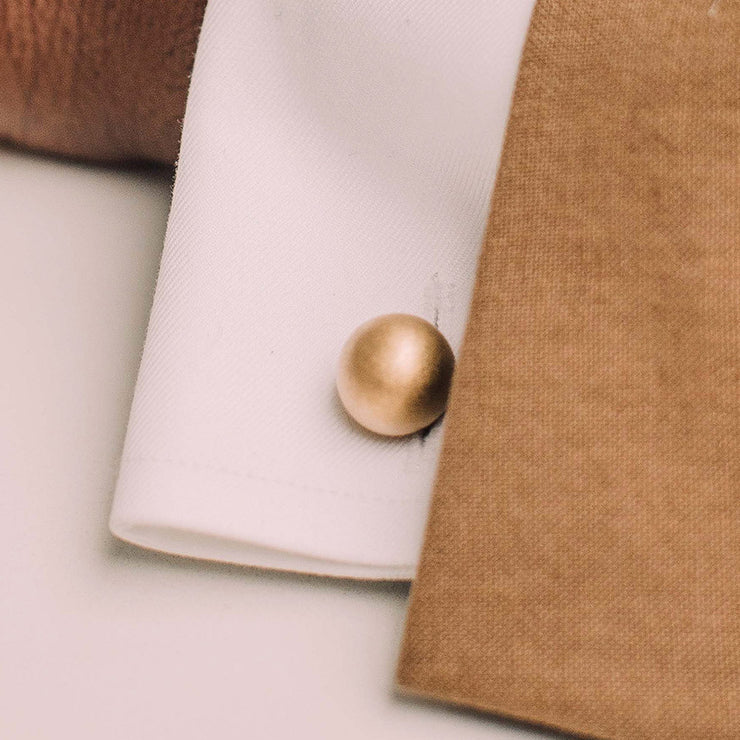 grafton reversible | gold cufflinks | close up